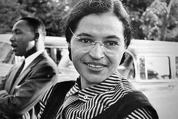 Foto von Rosa Parks mit Dr. Martin Luther King Jr. (ca. 1955)